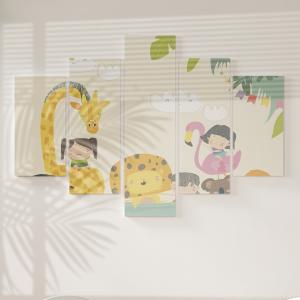 Quadro Decorativo Mosaico LUXO - Crianças bonitas com animais Excelente qualidade  em vinil autocolante telado LUXO 1,25mt X 0,65cm Impressão Digital MDF - VINIL TELADO LUXO CONTÉM 5 PEÇAS TODAS EM MDF 6mm e impressão digital