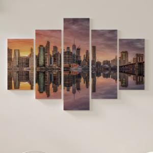 Quadro Decorativo Mosaico LUXO - Skyline de nova york com arranha-céus ao pôr do sol Excelente qualidade  em vinil autocolante telado LUXO 1,25mt X 0,65cm Impressão Digital MDF - VINIL TELADO LUXO CONTÉM 5 PEÇAS TODAS EM MDF 6mm e impressão digital