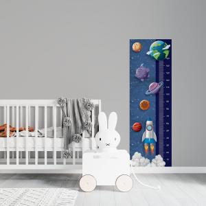 Régua de Crescimento Infantil - De Volta para Terra Vinil 0,010mm - Autocolante Sob medida Impressão Digital Fosco - Liso Tamanho de 155cm por 55cm Todas as Imagens são MERAMENTE ILUSTRATIVAS.
