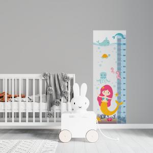 Régua de Crescimento Infantil - Sereias Vinil 0,010mm - Autocolante Sob medida Impressão Digital Fosco - Liso Tamanho de 155cm por 55cm Todas as Imagens são MERAMENTE ILUSTRATIVAS.